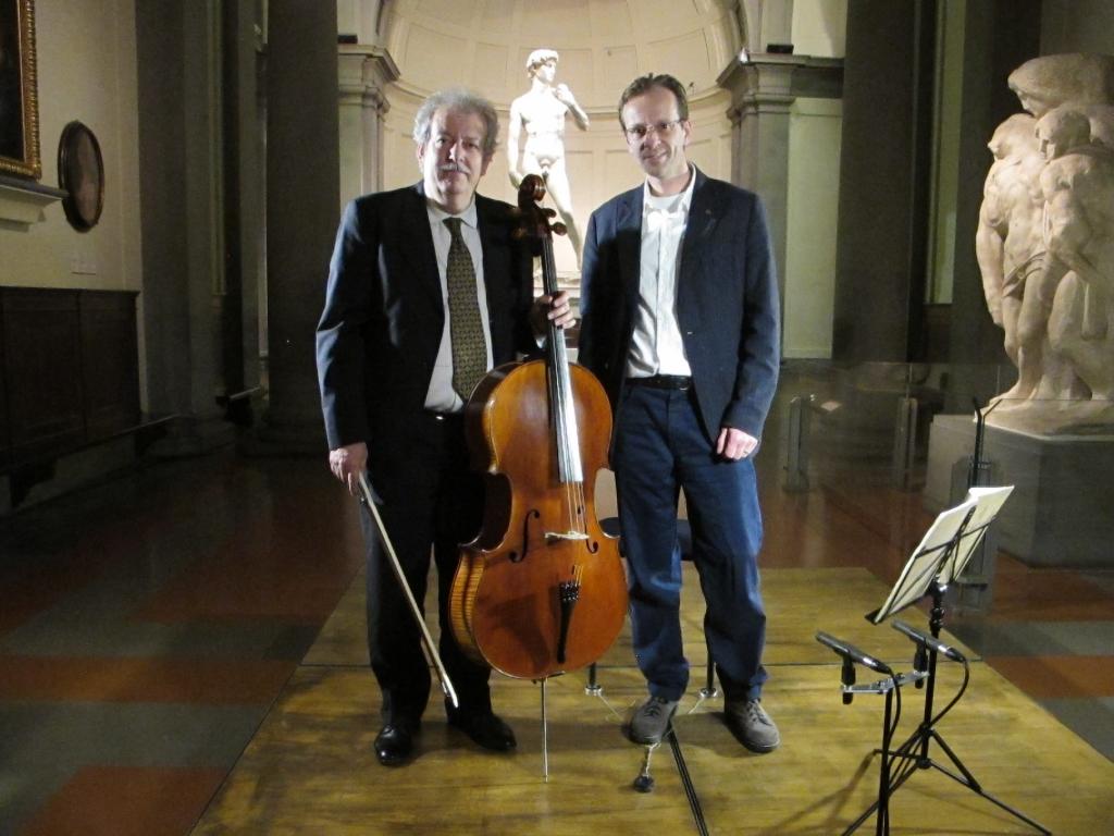 Michele Dobner Stradivari il violoncello mediceo